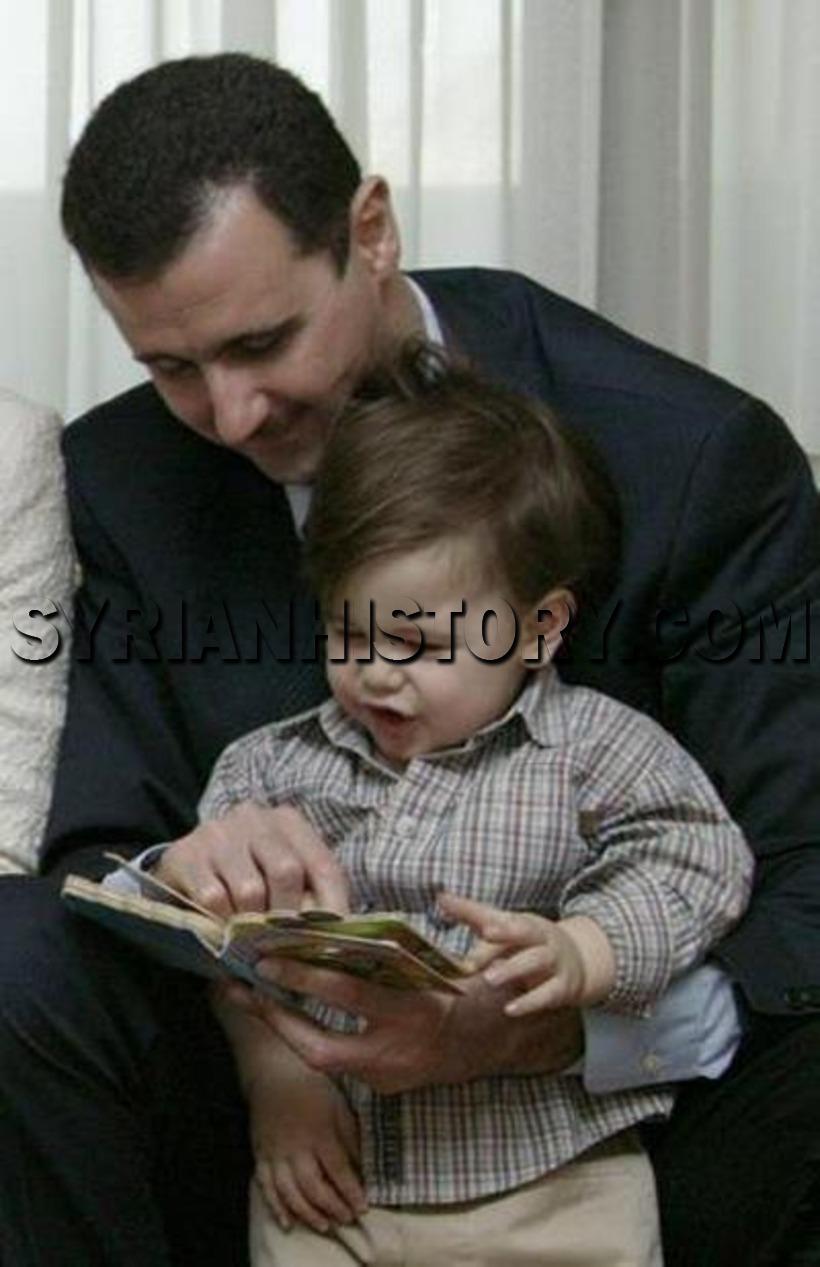 التاريخ السوري الرئيس بشار الأسد وابنه حافظ عام 2001